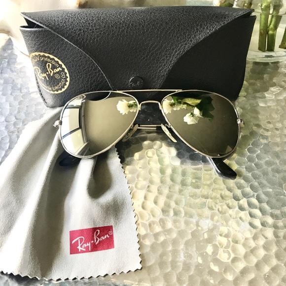 c555a8adcb Genuine Ray-Ban Aviator Sunglasses LIKE NEW